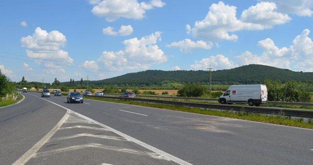 K nehodě došlo u sjezdu na dálnici D10 (ilustrační foto).