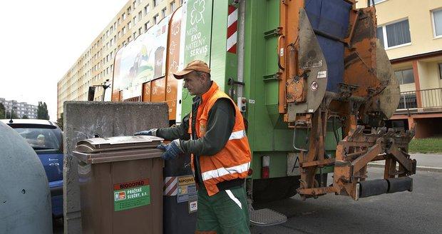 V Praze 9 se kontejnery na bioodpad, respektive na nebezpečný odpad přistaví až do listopadu. (ilustrační foto)
