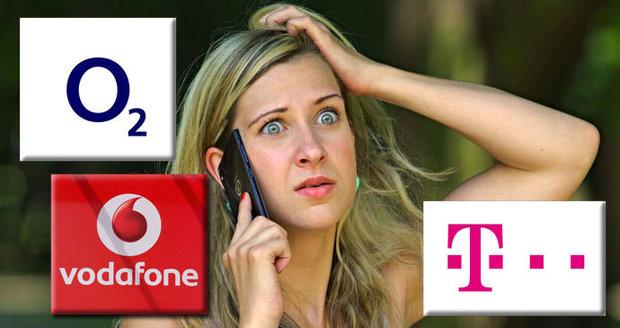 Na dovolené ušetříme za roaming, doma si ale připlatíme: Operátoři řeší zdražení