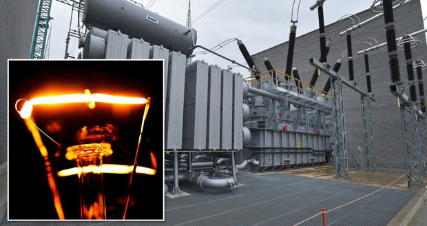 Milionům Čechů hrozí kvůli Německu totální výpadek proudu: Pomůže 600tunový transformátor?