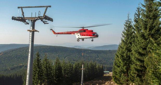 Výstavba nové čtyřsedačkové lanovky z Horních Míseček na Medvědín ve Špindlerově mlýně.