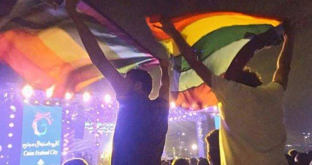 """Egypt začal hon na gaye. Policisté mužům zkoumají """"nedotčenost"""" konečníků"""