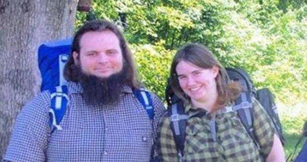 Taliban unesenou Kanaďanku znásilnil, v zajetí porodila čtyři děti. Pak jí zabili dceru
