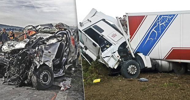 Nehoda mikrobusu s kamionem má už 8 obětí: Máma nám nebrala telefon. Měli jsme tušení, pláčou děti Aleny