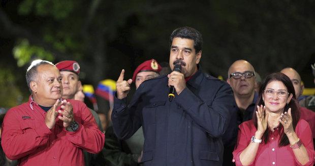"""Strana prezidenta """"diktátora"""" vyhrála. Opozice vyzývá k dalším protestům ve Venezuele"""