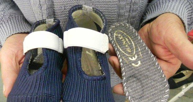 Vynalézavý švec z Vyškovska, který šije pro polárníky, vykoumal botičky pro batolata: Odborníci jásají