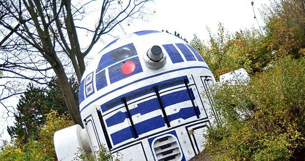 Na Folimance přistál robot ze Star Wars. R2D2 je počinem neznámého umělce 2a9ce3c71af