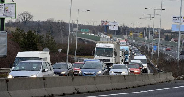 Nehoda zablokovala Komořanský tunel. (ilustrační foto)