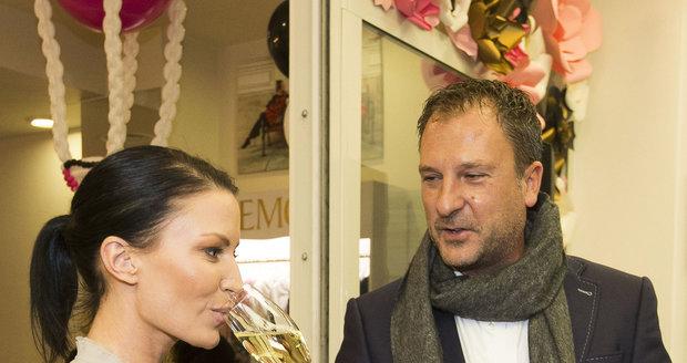 Gábina Partyšová s manželem Danielem Farnbauerem