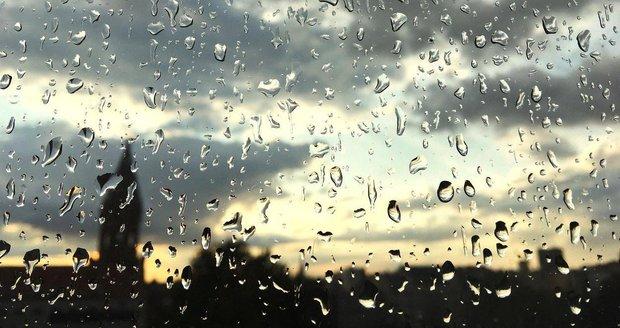 Pátek přinese bouřky, víkend proprší, ale sucho bude pokračovat.