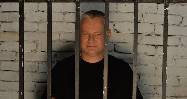 Kajínka (56) stálo vězení pěkný balík: 700 tisíc za doživotí!