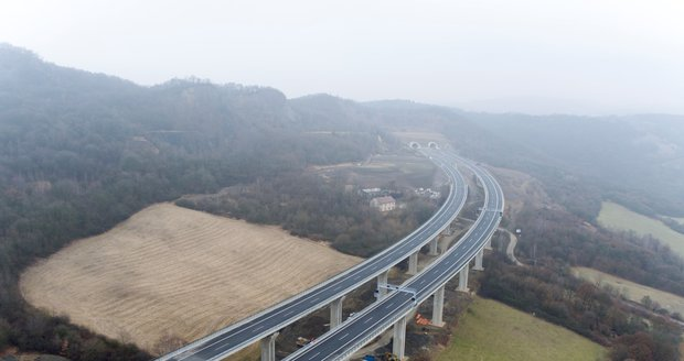 Rakousko dnes otevřelo 25 km nové dálnice směrem k České republice. Ilustrační foto.