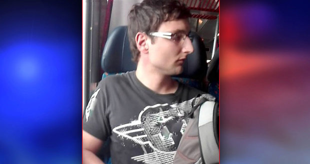 Liberečtí policisté hledají mladíka, který masturboval ve vlaku: Úchyla viděly i děti