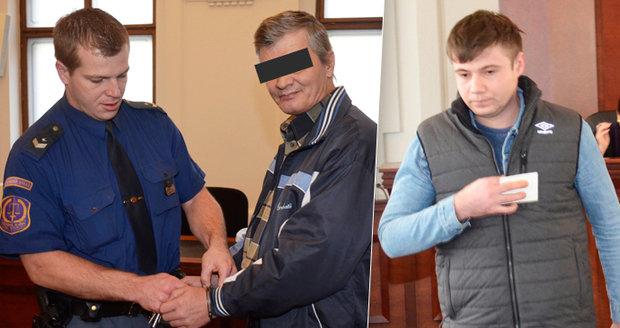 Rumuni se pobodali při grilovačce: Bránil jsem syna, tvrdí obžalovaný, který prořízl kamarádovi břicho