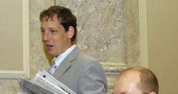 Bohuslav Sobotka a Stanislav Gross jako někdejší ministři Špidlovy vlády v roce 2004