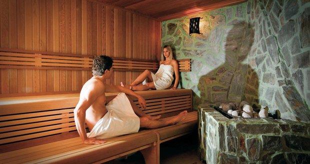 Saunování může být intimním zážitkem