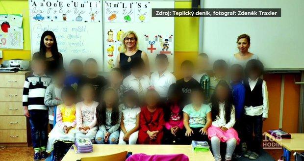 Rasismus u fotky prvňáčků z Teplic: Policie stíhá ženu, děti chtěla střílet