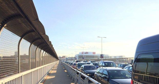 Nuselský most i tubus metra přes prázdniny opraví. Uzavírky řidiče čekají i na podzim