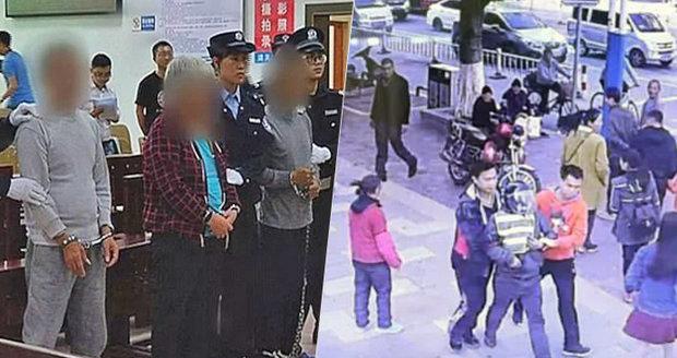 Otec zachránil svého uneseného syna: Po 9 měsících ho našel v obchodním domě!