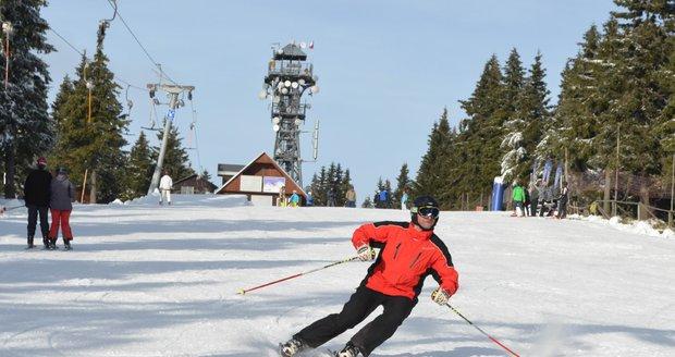 Lyžařská střediska na Šumavě díky novému sněhu otevřela. Ilustrační foto