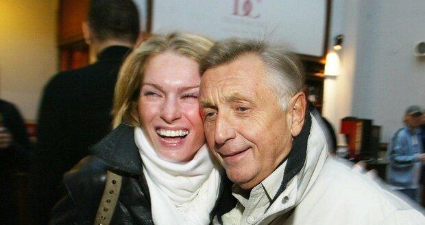 Jiří Menzel s manželkou.