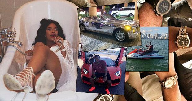 Zlatá mládež Zimbabwe: Miliardáři ze země nezaměstnaných! Batmobil, zlatá auta i zbraně