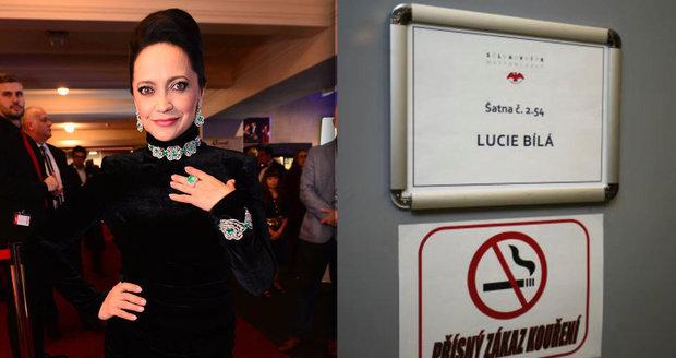 Hvězdné manýry Lucie Bílé: Vydupala si šatnu jen pro sebe.
