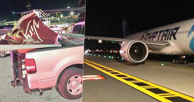 """Děsivá srážka na letišti: """"Obrovský náraz a půlka křídla byla pryč!"""" Popisují svědci"""
