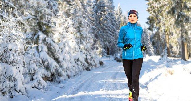 Běh v zimě je pro tělo důležitý, ale náročný.