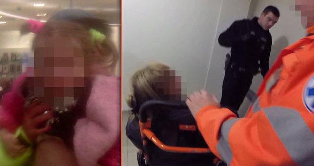 VIDEO: Opilá matka se válela v obchoďáku na zemi. U sebe měla dceru (2,5), nadýchala skoro 3,5 promile