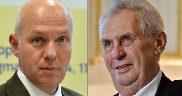 Fischer se ostře pustil do Zemana: Ať přestane předstírat, že nedělá kampaň