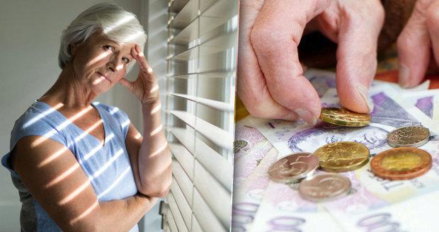 Důchodců přibývá po desetitisících ročně. Penze od ledna poskočily o stovky korun