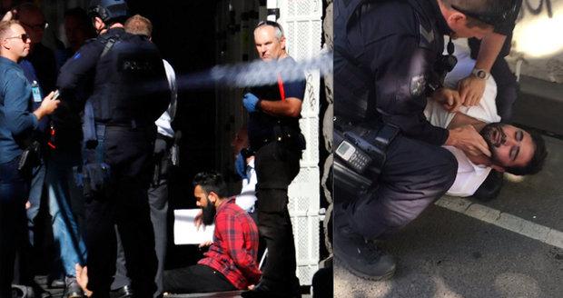 V Melbourne najel muž úmyslně do chodců, další ho točil. Zranili 19 lidí