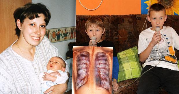"""Alena má """"slané děti"""". Zákeřnou chorobu dýchacích cest trpí oba její synové"""