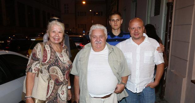 Marián Labuda s manželkou Vierou, synem  Mariánem a vnukem