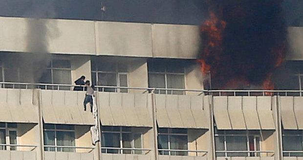 Útok na hotel Intercontinental: Obětí je 22, mezi nimi i čtyři Američané