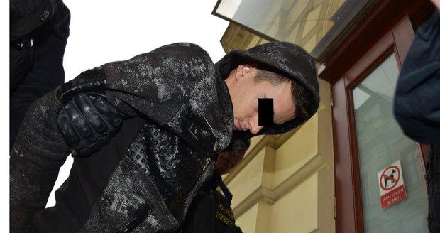 Mladík (21), který vyhrožoval terorismem Pákistánu, skončil ve vazbě.