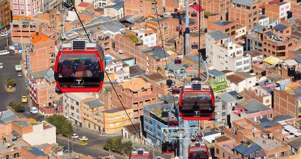 Lanovka ve městě La Paz