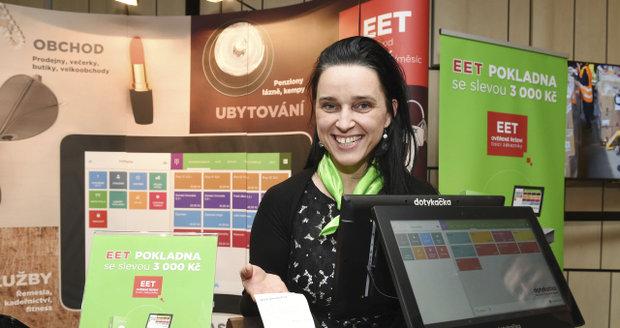 Zuzana nedala účtenku na 10 korun, má zaplatit 15 tisíc. Před EET přitom nic nezatajila