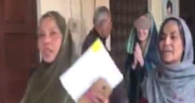 Nové video pašeračky Terezy: K soudu šla s úsměvem a modlila se!