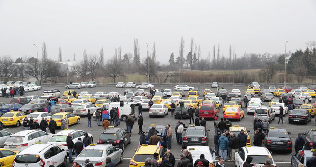 Na Strahově se taxikáři sešli i v pátek 9. února.