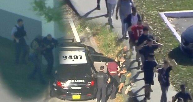 Ve floridské škole zabíjel 19letý mladík! 17 mrtvých a 13 zraněných