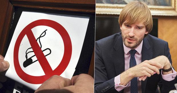 Ministr zdravotnictví Vojtěch: Zákon proti kouření bych nezmírnil. Ono se to usadí