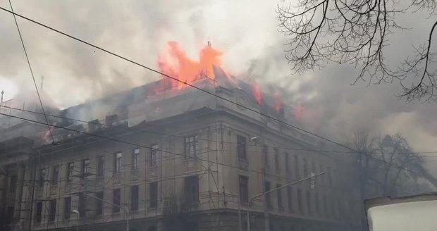 Finanční úřad v Košicích pohltily plameny. Že by měly zakrýt stopy?