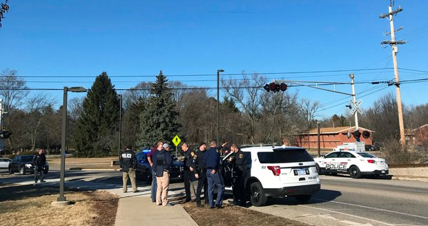 Další střelba na americké škole. Vyřizování účtů odnesli dva lidé, střelec uniká