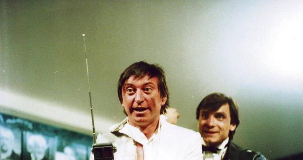 Snímek z komedie Velká filmová loupež. Labus si zahrál se svým dlouholetým kamarádem Oldřichem Kaiserem