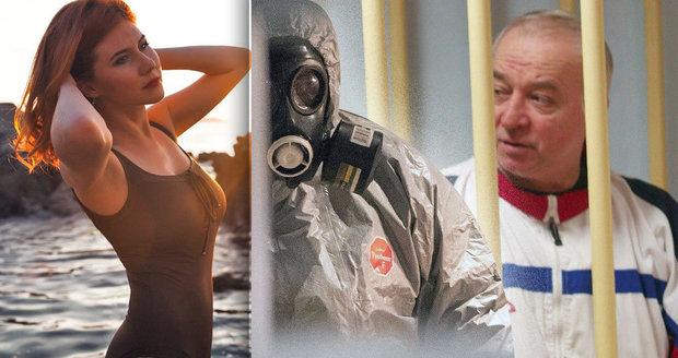 Ruský exagent bojuje po otravě o život: Sexy špionka, za kterou byl vyměněn, si užívá na pláži