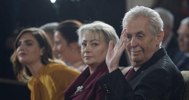 """Zeman """"roztočí"""" oslavu hradní inaugurace. Čeká ho koncert pro 1000 hostů"""