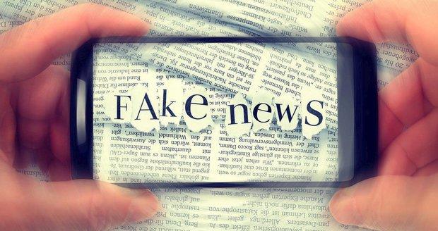"""Za """"fake news"""" na rok za mříže. Rusko přitvrdí v boji s kritiky na sociálních sítích"""