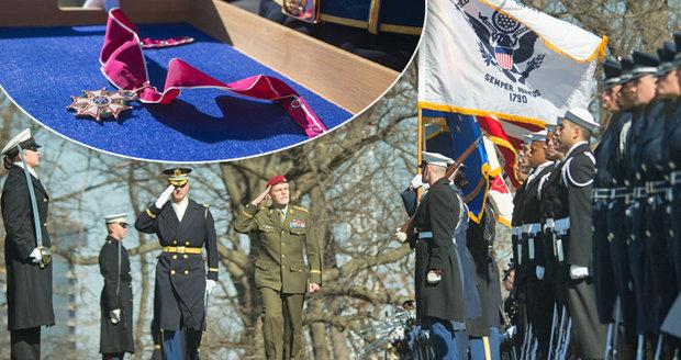 Generál Pavel má metál z USA. Dostal nejvyšší armádní ocenění pro cizince